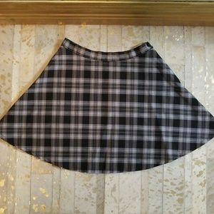 NWOT American Apparel Circle Plaid Skirt